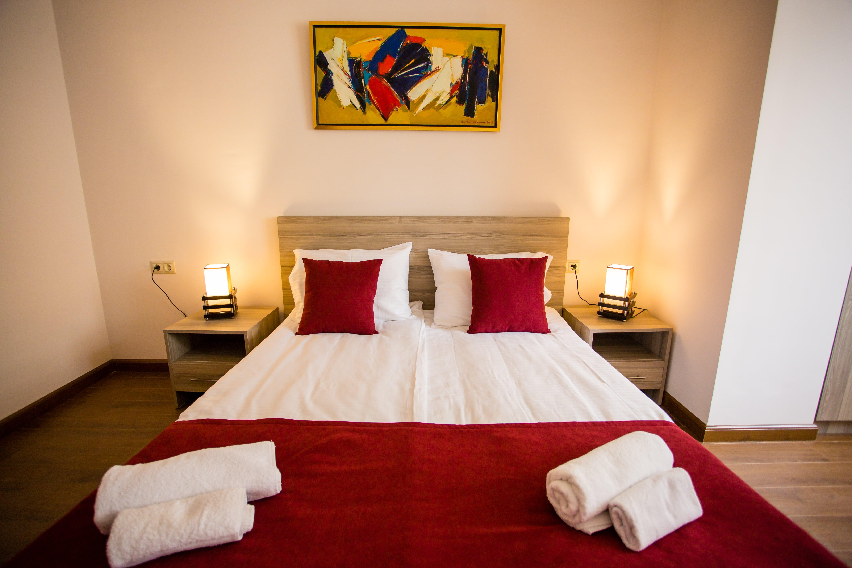 One Bedroom Main-min